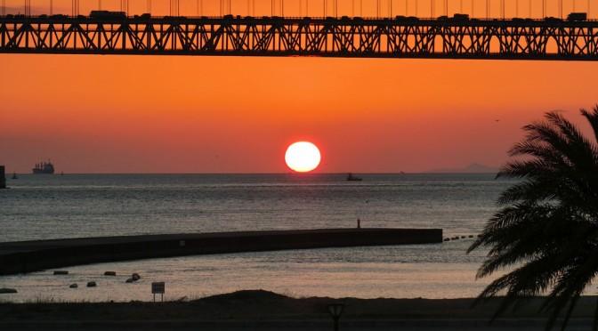 明石海峡大橋の絶景がみえる マリンピア神戸(三井アウトレットパーク)
