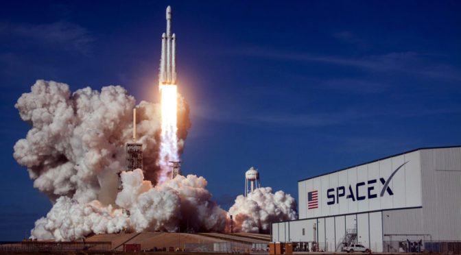 【NEWS】SpaceX インターネット接続を提供する衛星の許可を得る